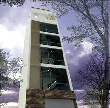 Bán gấp tòa nhà văn phòng kết hợp ở mặt phố Cốm Vòng. DT 65m2, mặt tiền 5.8m, nhà xây mới 7 tầng