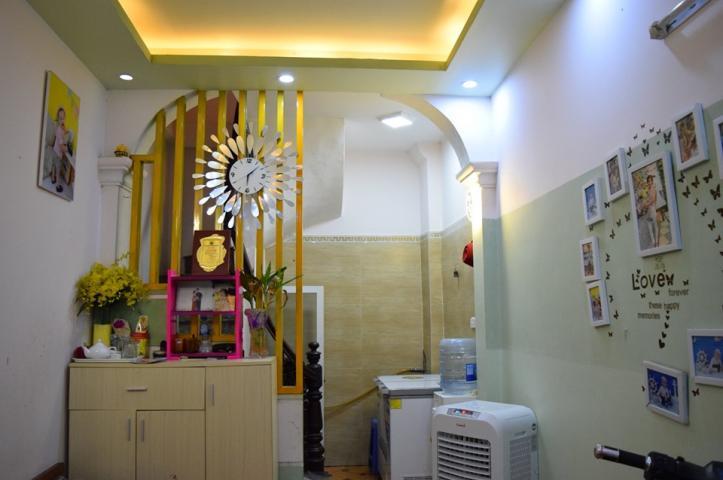 Bán nhà đẹp 25mx 3 tầng, ngõ rộng, full tiện nghi, khu dân trí, Vĩnh Hưng